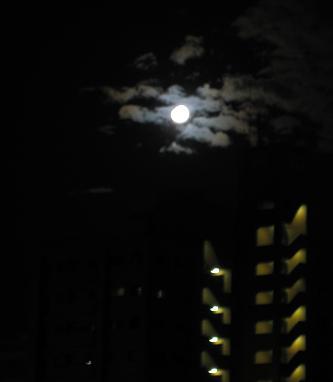 5gatu 27日明日は満月s